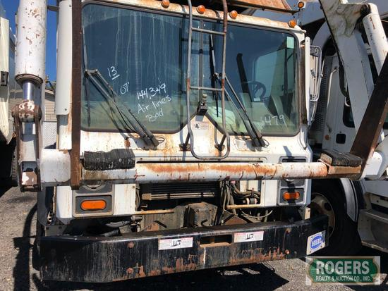 2007 - MACK FRONT LOADER REFUSE TRUCK -MR688S