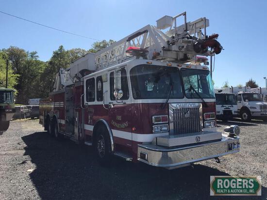 2002 SPARTAN FIRE LADDER TRUCK
