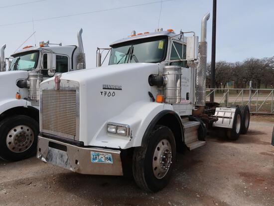 2013 Kenworth Model T800, Tractor, 14.9L LG Diesel, Masport Vacuum Pump, 10-Speed Trans, VIN: