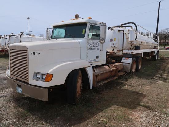2000 Freightliner Model FLD120, Tandem Axle Tractor, 14.0L L6 Diesel, 10-Speed Trans, VIN: