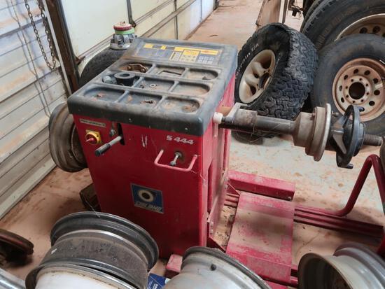 Givliano Wheel Balance Model S444