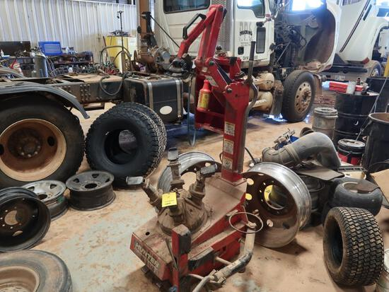 Butler / Hunter Engineering Tire Machine Model MD10252, S/N 12510