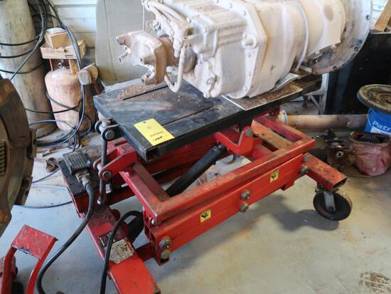 Norco 2500 lb. Air/Hydraulic Power Train Lift Table