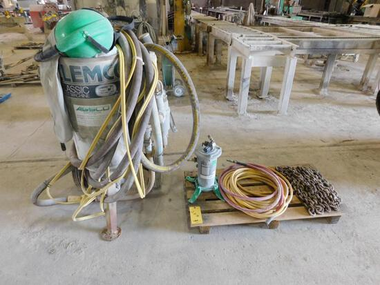 Clemco Classic Blast Machine Portable Sand Blaster, with Hoses, Mask & Fixtures