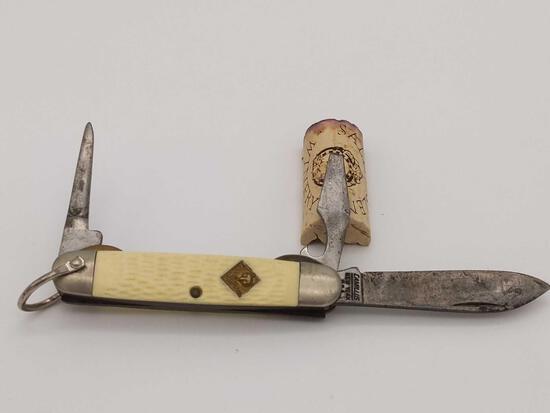 Camillus New York USA Cub Scout Three Blade Pocket Knife White