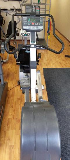 Precor EFX544 Elliptical Fitness Crosstrainer