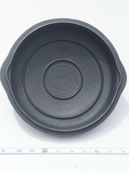 Griswold Self Basting Cast Iron Cover No 6 1096