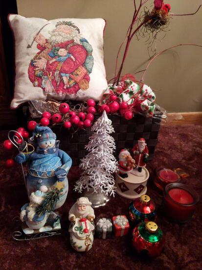Christmas Lot Wicker Baskets