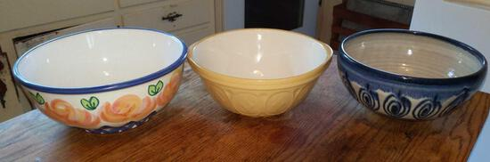 Green's Mixing Bowl w/2 Additional Bowls