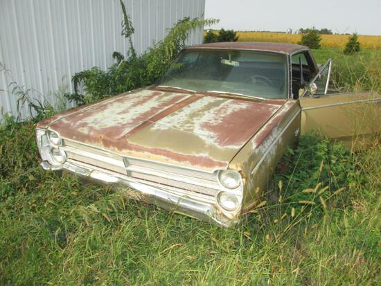 Plymouth Fury - Non Running - 63 or 67?  No Tires