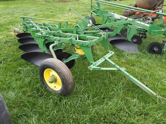 John Deere 666H 4 Bottom Plow