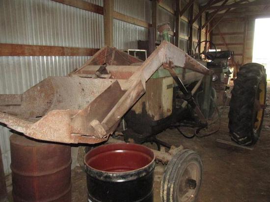 John Deere 620 WF, w Bucket