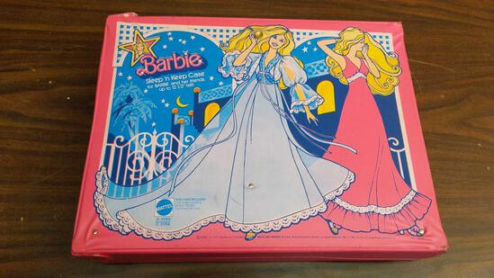Barbie Sleep 'n Keep Case w/Dolls