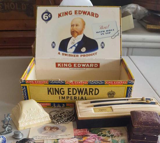 Ring boxes, pennies & token lot