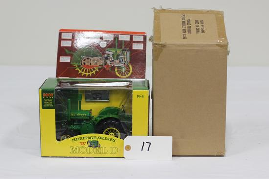 #17 JOHN DEERE 1937 MODEL D TRACTOR 1/16-SCALE 2007 EDITION COLLECTOR'S CENTER HERITAGE SERIES (NIB)