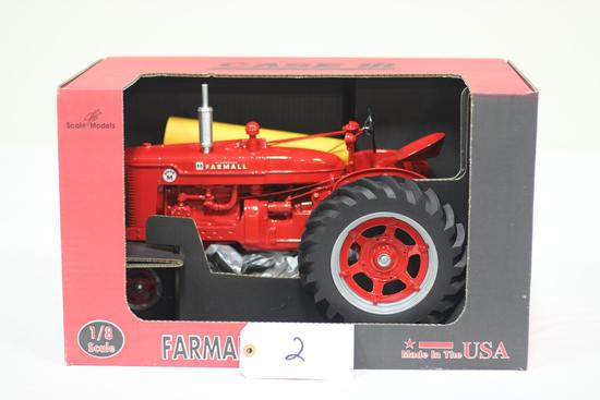 #2 FARMALL SUPER M TRACTOR 1/8-SCALE (NIB)