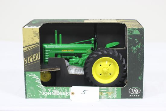 #5 JOHN DEERE 1939 B TRACTOR 1/8-SCALE FARM PROGRESS SHOW 1998 (NIB)