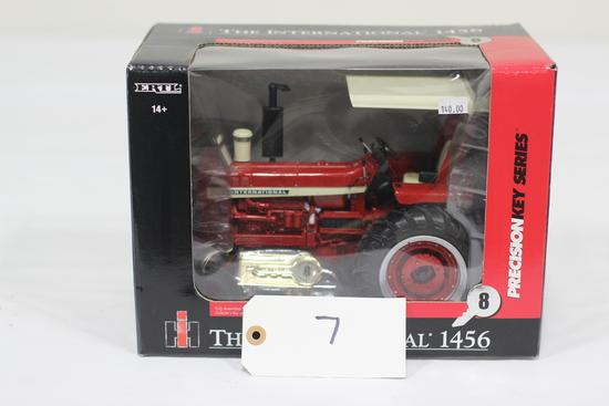 #7 INTERNATIONAL 1456 TRACTOR 1/16-SCALE PRECISION KEY SERIES NO. 8 (NIB)