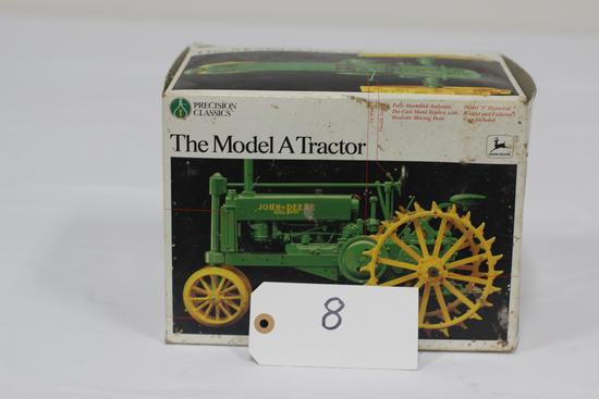 #8 JOHN DEERE MODEL A TRACTOR 1/16-SCALE PRECISION CLASSIC (NIB, BOX DIRTY)