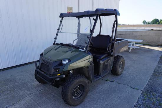 2012 POLARIS 500 RANGER MODEL 500EF 4X4 UTILITY ATV W/PROTECTIVE HOOD COVER, 2 SEATS, MANUAL DUMP BE