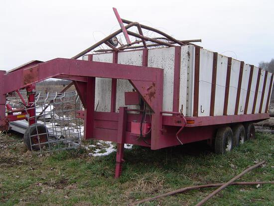 Gooseneck 15' utility dump trailer with tri-axle f