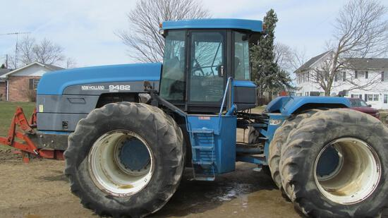 New Holland 9482 Versatile 4WD tractor with 710-70