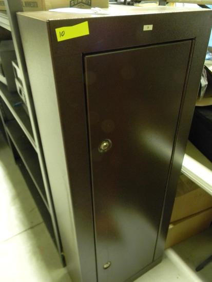 "Locking gun cabinet with 2 keys 21""W x 55""H x 10""D"