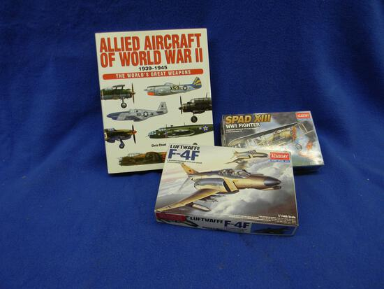 Academy Spad XIII WWI Fighter model kit 12446 1/72 scale Academy Luftwafee F-4F model kit12611