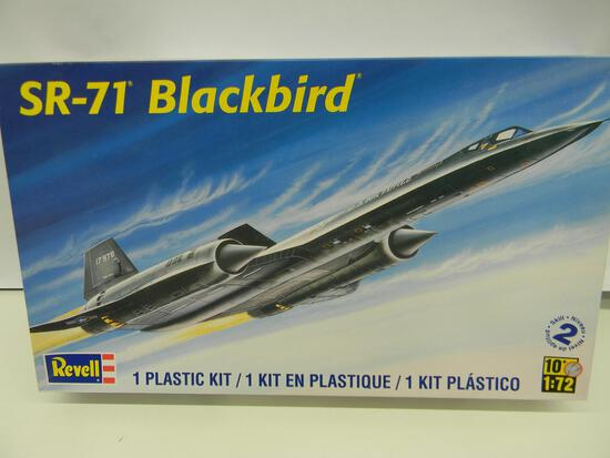 Revell SR-71 Blackbird model kit 85-5810 1:72 scale