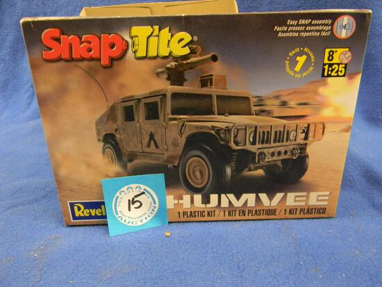 Revell Snap Tite Humvee model kit 85-1970 1:25 scale