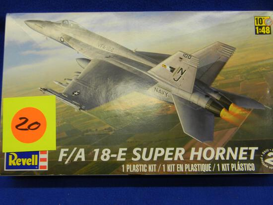 Revell F/A 18-E Super Hornet model 85-5850 1:48 scale