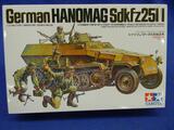 Tamiya German Hanomag Sdkfz251/I 35020+2200 model kit 1:35 scale
