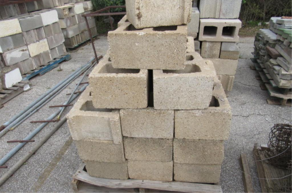 2 Pallets of Cinder Blocks |     Auctions Online | Proxibid