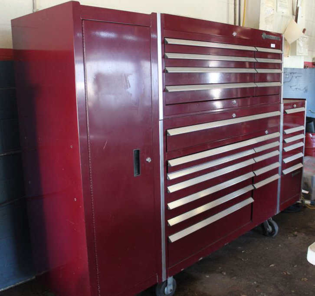 Muffler Shop and Contents Auction