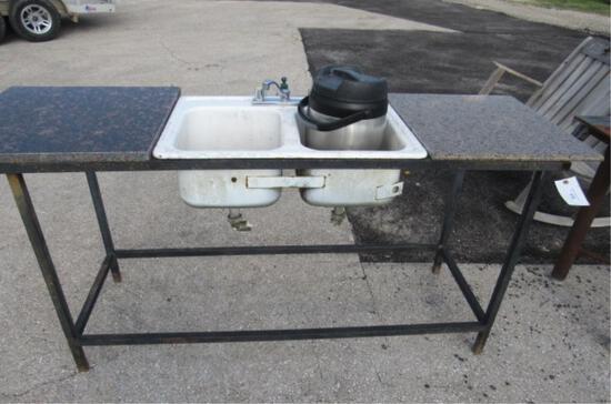 Outdoor Sink w/ Random Granite Tops