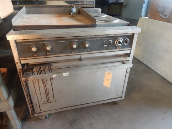 """Toastmaster (2) 9"""" Round Burners, & (1) 2'x2' Flat Top Oven on Casters (40"""""""