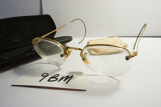 Victorian Wire Frame Eye Glasses with extra lenses in wrapped steel case, estate find.