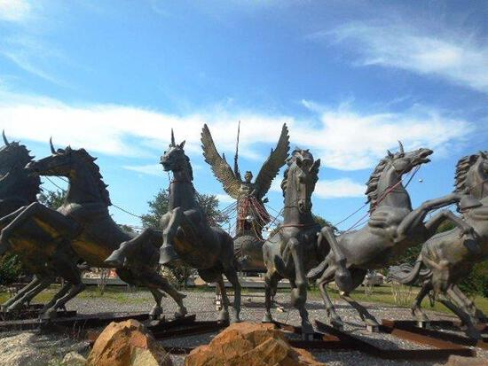 Monumental bronze chariot statue, expected hammer $450,000 -$475,000. Life Size