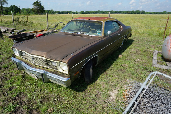 1975 Plymouth Duster, NOT RUNNING, Title is in Hand on Premise, Photo of Title Shown
