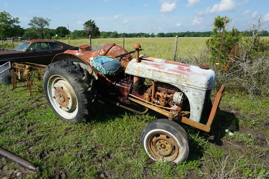 8N Ford Tractor, NOT RUNNING