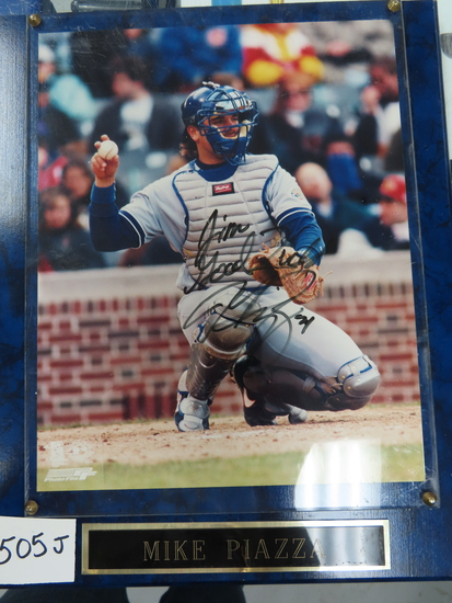 "Mounted 8""x10"" Mike Piazza Signed Photo with plexiglass cover. NO COA Estate Find. HAC does not"