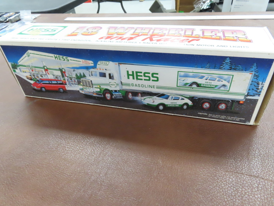 1992 HESS Gasoline 18 wheeler and Racer, Friction Racer, head and tail lights