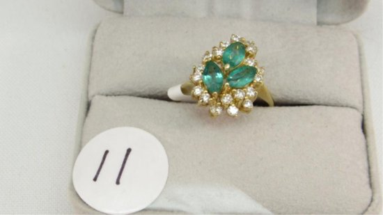 18K y/g Estate Emerald ring with