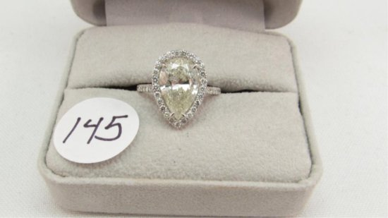 18K w/g 3.58ct Pear Shape Solitare ring with