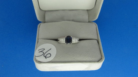 14K w/g 1.99ct Sapphire Center Ring