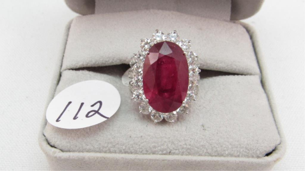 18K w/g 17X11mm Ruby center ring with