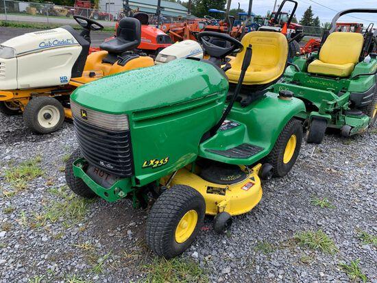 3519 John Deere LX255 Lawn Tractor