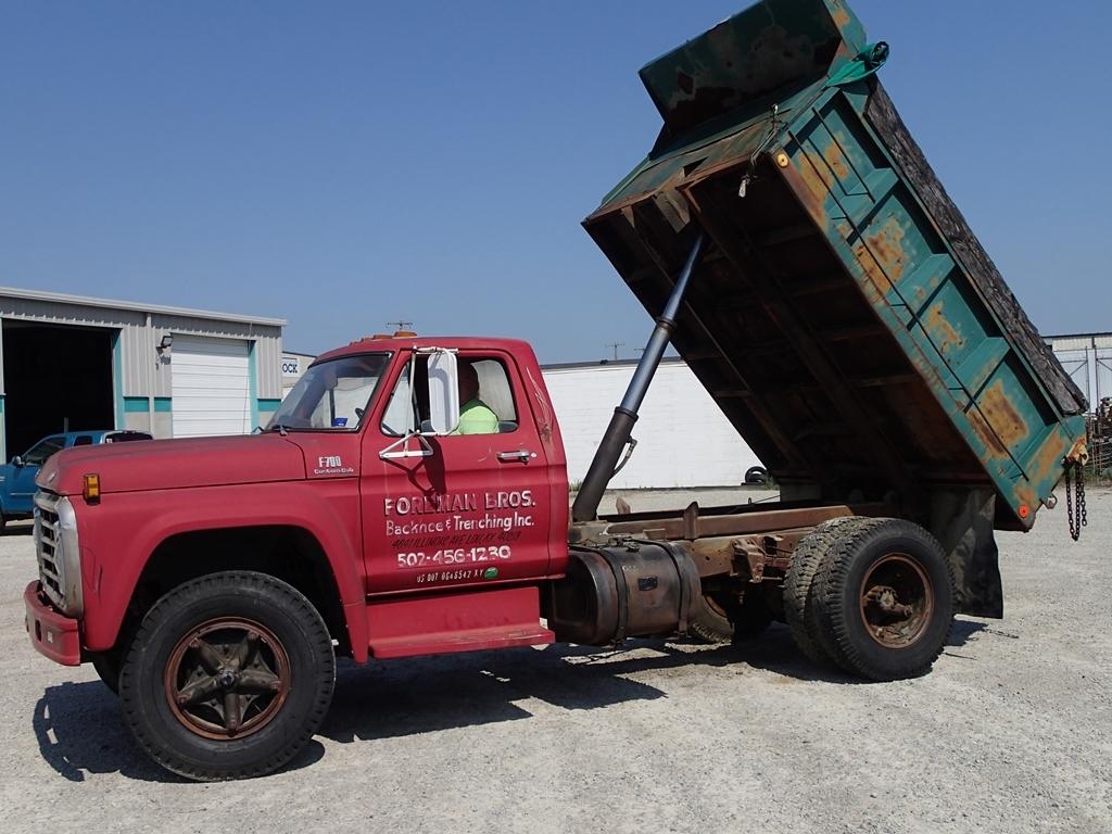 1978 Ford F700 dump truck - VIN F70FVBB0498 - see video