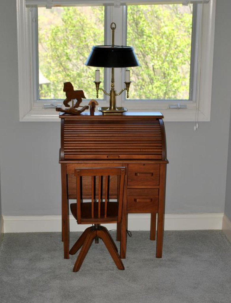 Vintage  Mid-20th C. Child's Rolltop Maple Desk w/ Swivel Adjustable Desk Chair