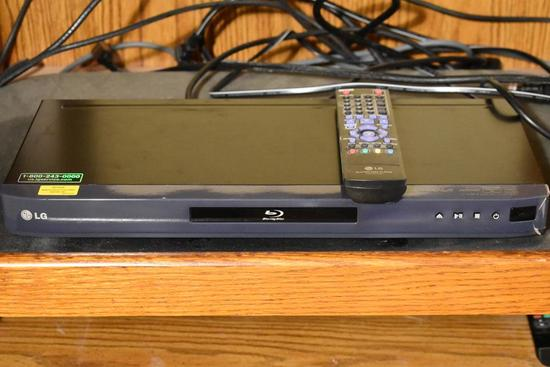 LG Blu-Ray Player Model BD530 w/ Remote